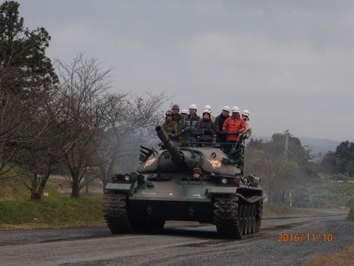 ⑥研修風景 【第14戦車中隊 74式戦車試乗体験】(日本原駐屯地)
