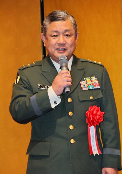 第3師団長 陸将 鈴木淳治様