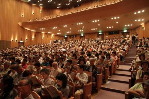 満席の会場